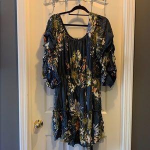 Dresses & Skirts - Show O size 20
